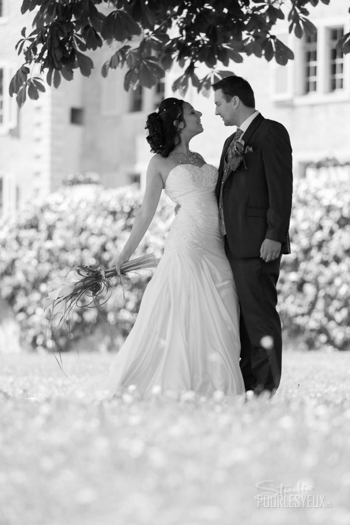 mariage photographe geneve carouge couple noir blanc