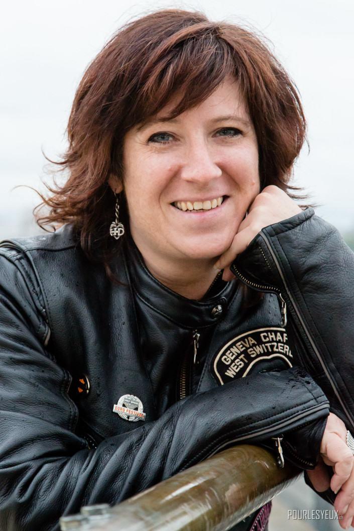 photographe geneve carouge exterieur portrait femme