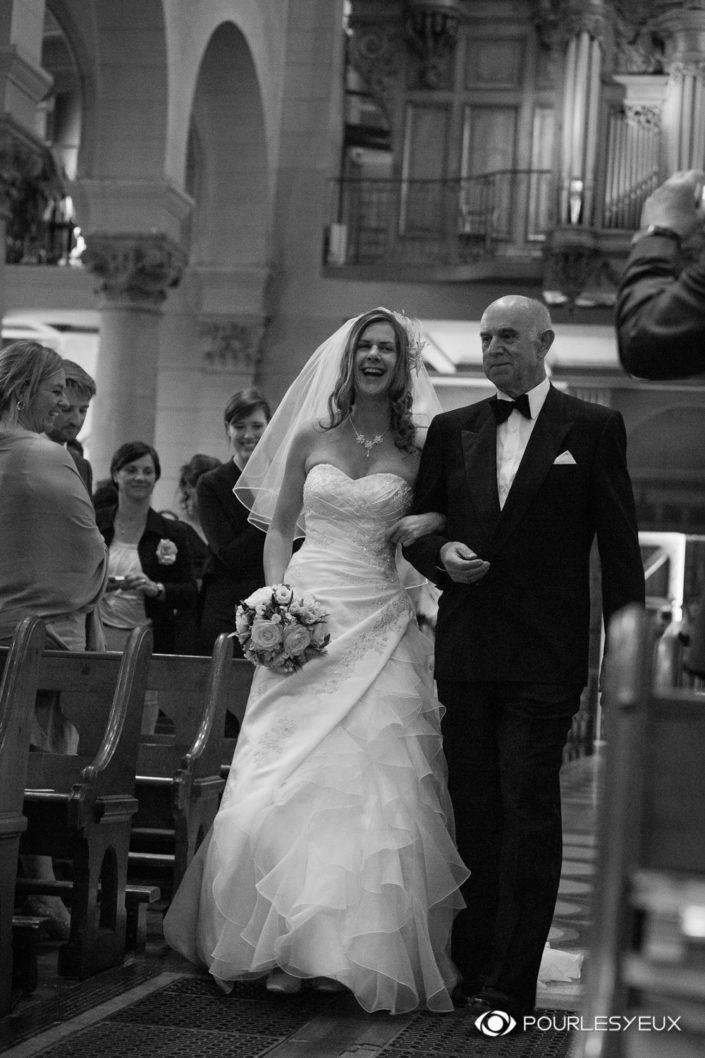 Photographe suisse mariage religieux à Genève en noir et blanc