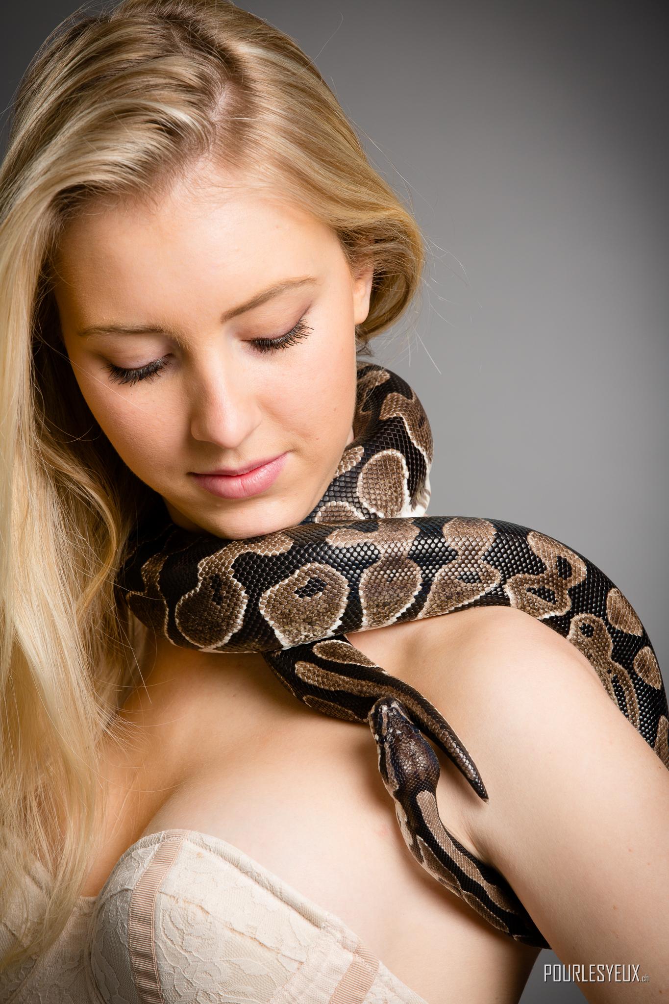 photographe Genève avec serpents