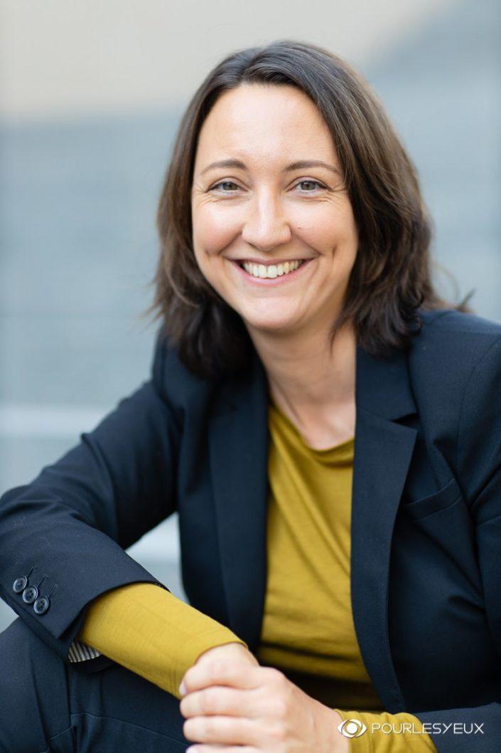 Portrait corporate CV pour femmes - Photographe à Genève