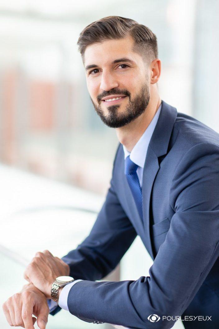 Photo CV corporate pour hommes - À Genève