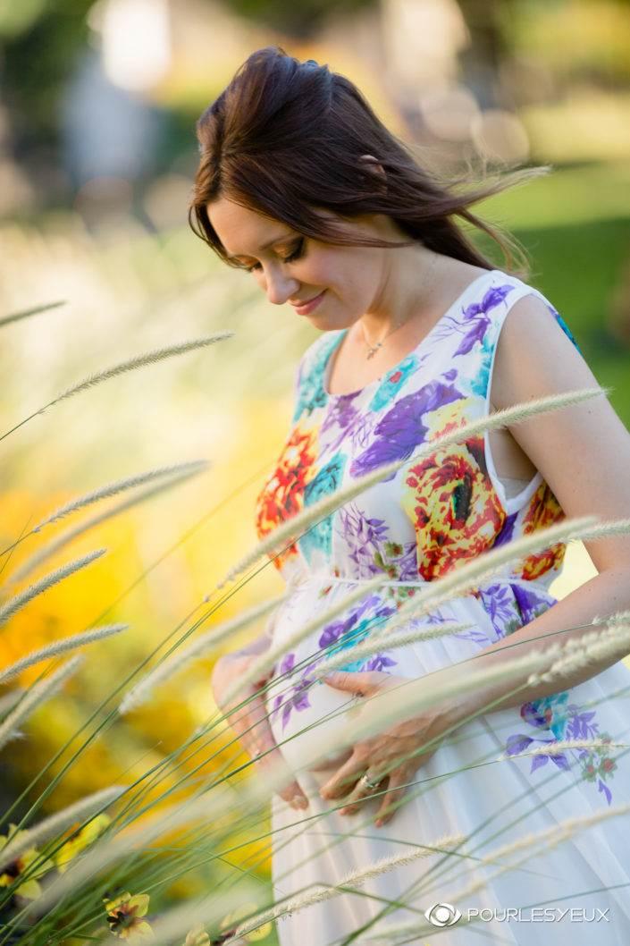 Photographe geneve femme exterieur enceinte bebe