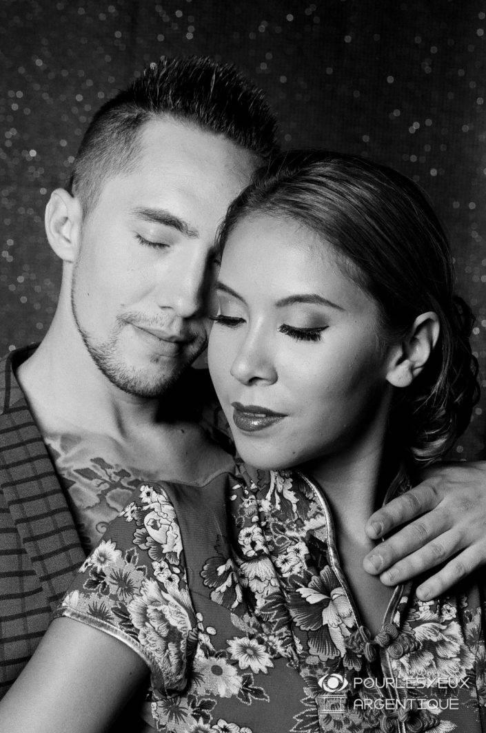 portrait photographe genève séance photo argentique couple amour noir blanc nb