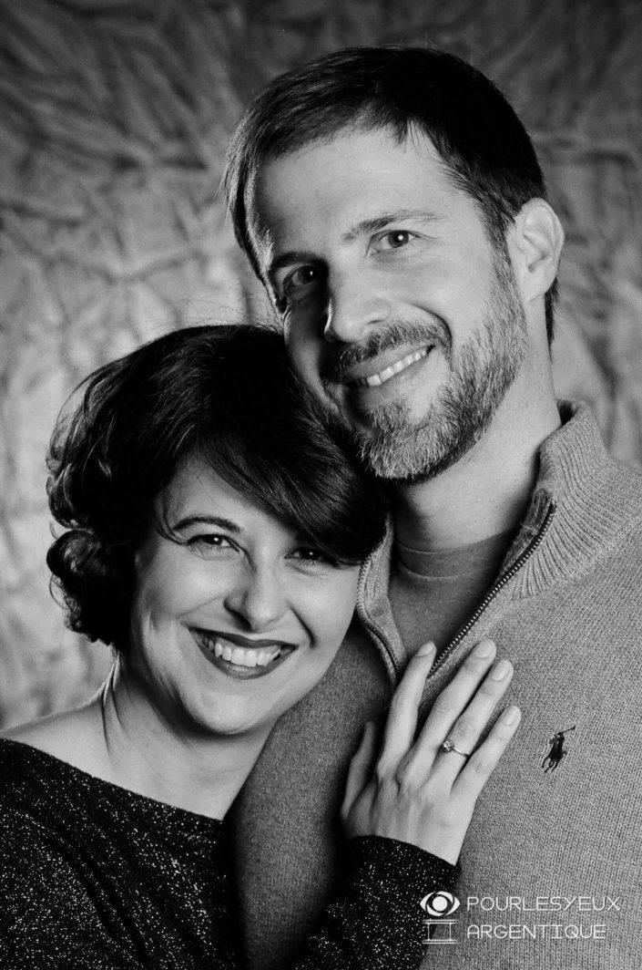 portrait photographe genève séance photo argentique noir blanc couple