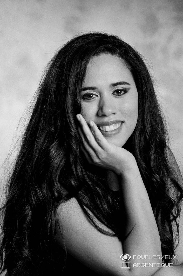portrait photographe genève séance photo portrait femme argentique