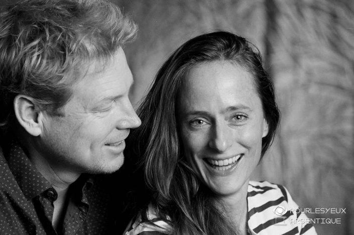 portrait photographe genève séance photo argentique couple homme femme amour