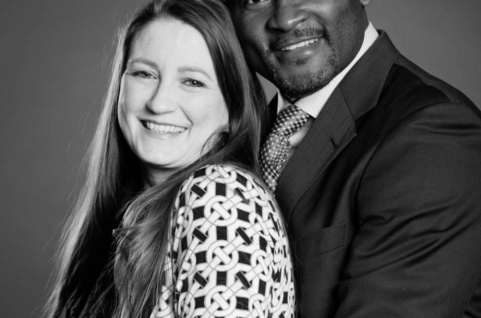 portrait photographe genève séance photo couple noir blanc