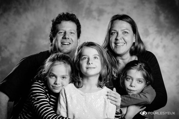 portrait photographe genève séance photo famille enfant père mère filles soeurs