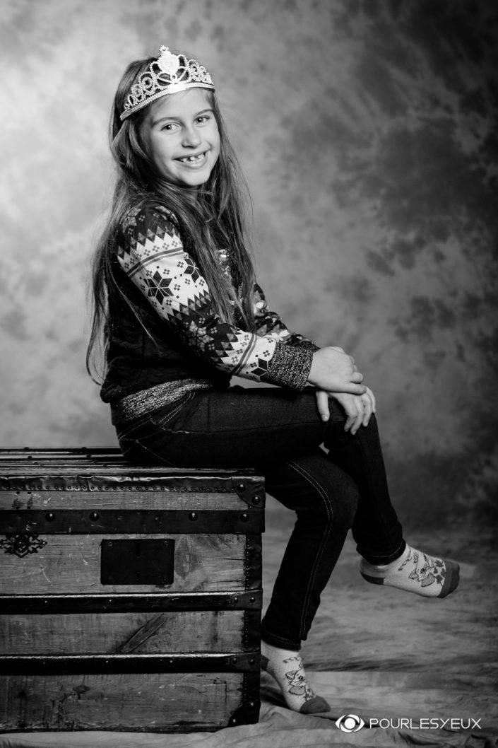 portrait photographe genève séance photo enfant fille nb noir blanc