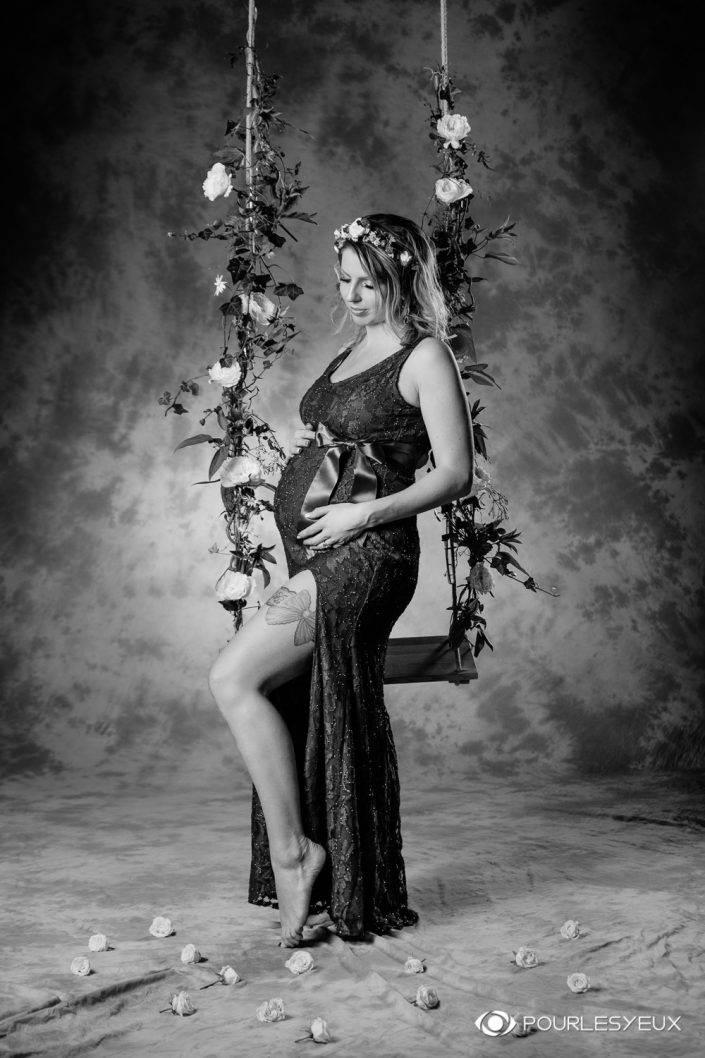 maternité genève séance photo enceinte grossesse maquillage maquilleuse photographe bébé noir blanc