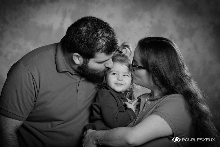 bébé enfant fille couple noir blanc genève maquillage maquilleuse séance photo shooting famille