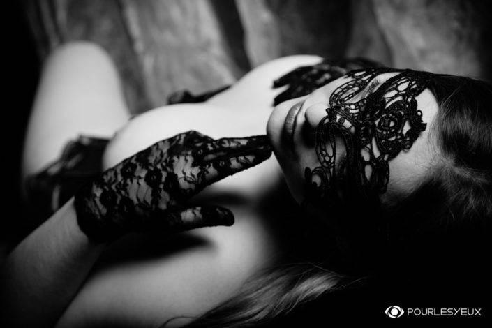 photographe Genève femme portrait glamour noir et blanc
