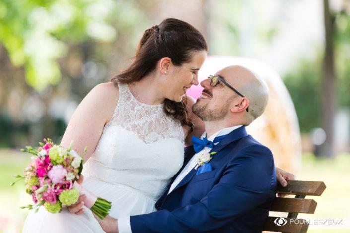 Photographe mariage Genève suisse couple amour marié marier mairie extérieur portrait
