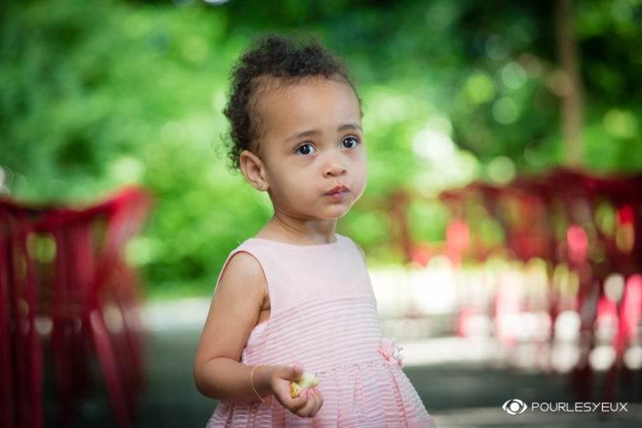 photographe suisse genève famille fille enfant extérieur