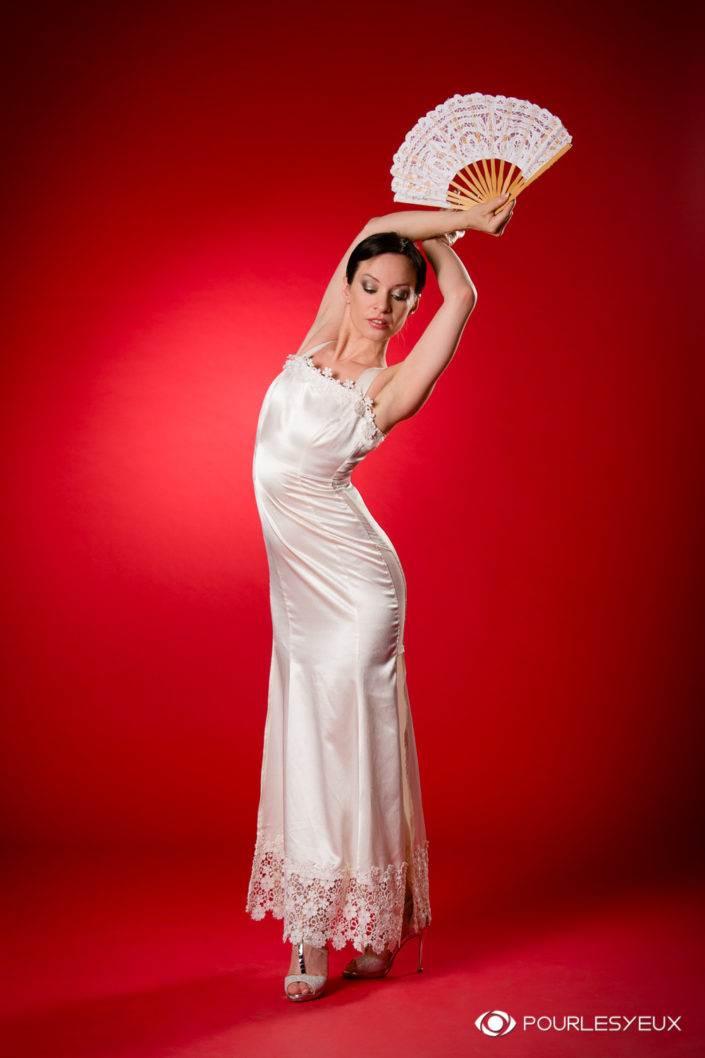 Quand la robe de mariée vient accompagnée quelque pas de danse…