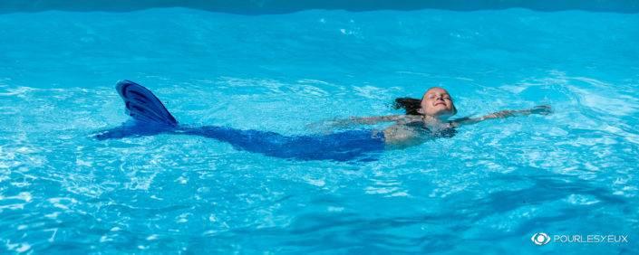 Sirène dans l'eau